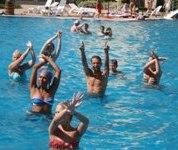 заняття в басейні дитячий табір MURITE BEACH БОЛГАРІЯ BULGARY Клуб Мандрівників