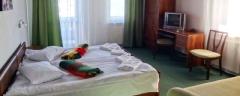сімейний пансіон Альпійський двір Славське Карпати Відпочинок на Травневі свята 1 Травня 9 Травня Тури в Карпати Клуб Мандрівників