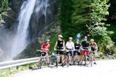 поїздка до водоспаду рекламний тур по Карпатах  Клуб Мандрівників