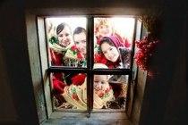 Дівчата колядують Різдво у Львові Українське різдво Тури у Львів на Новий рік та Різдво Новорічні Тури Клуб Мандрівників