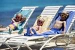 лежаки острів КРИТ ГРЕЦІЯ Tours in GREECE тури в Грецію Crete Клуб Мандрівників