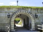 кріпосна стіна з в'їздом в замок ПІДГІРЦІ Золота Підкова Клуб Мандрівників LVIV PIDGIRCI UKRAINE