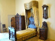 інтер'єр спальні ЗОЛОЧІВ Золота Підкова Клуб Мандрівників LVIV ZOLOCHIV UKRAINE
