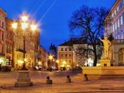 вечерняя площадь Рынок ЛЬВОВ экскурсионный тур Львов - Сокровище В Подкове Клуб Мандривныкив LVIV Ukraine