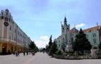 ратуша МУКАЧЕВО ЗАКАРПАТСКИЕ ВЫТРЕБЕНЬКИ экскурсионный тур Майские праздники в Карпатах Клуб Мандривныкив