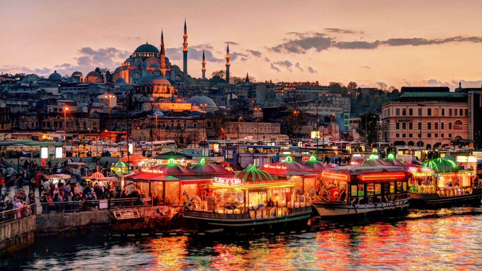 Нічний Стамбул ТУРЕЧЧИНА Тури на Близький Схід Автобусні тури в Туреччину Клуб Мандрівників