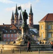 Площа Вюрцбург НІМЕЧЧИНА Тури в Європу Автобусні тури в Німеччину Клуб Мандрівників