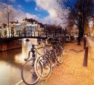 Бруківка Амстердам НІДЕРЛАНДИ Тури в Європу Автобусні тури в Нідерланди Клуб Мандрівників