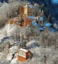 Замок БОЛГАРІЯ Новорічні тури в Європу Автобусні тури в Болгарію Клуб Мандрівників